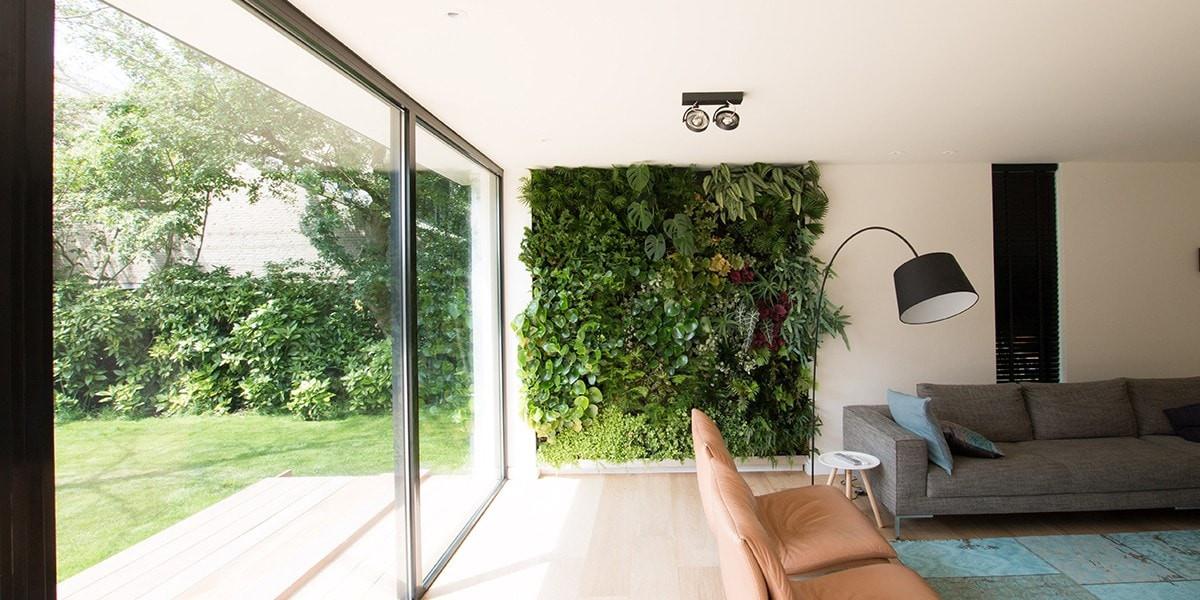 transformatie-duurzame-villa-groene-wand